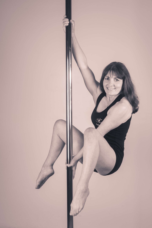 Donna Pose pic